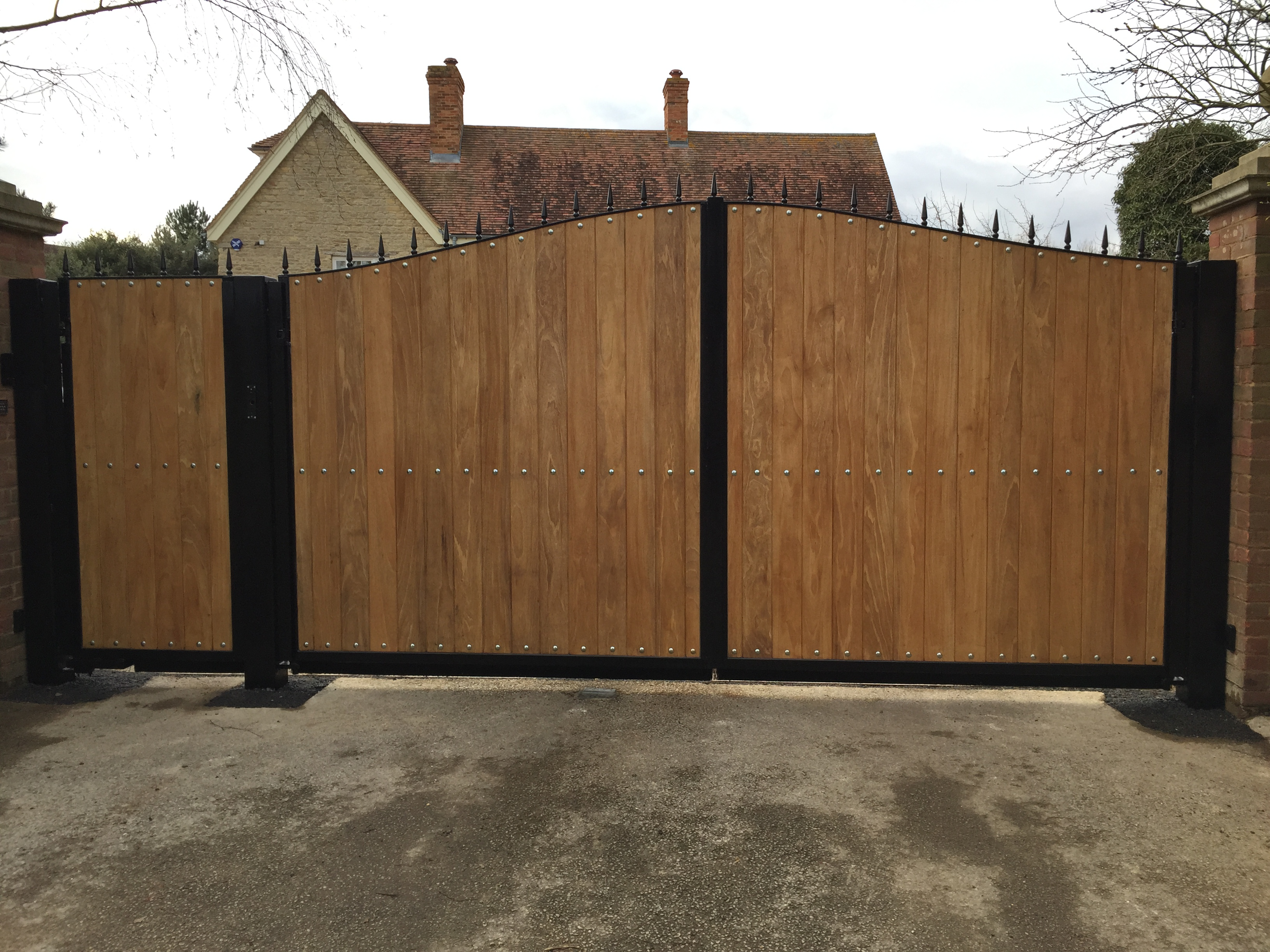 Whether You Are Looking For Manually Operated Gates, Such As Wooden Gates  In Milton Keynes Or Garden Gates Or Even Automated Gates In Milton Keynes,  ...